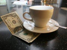 сколько давать чаевых
