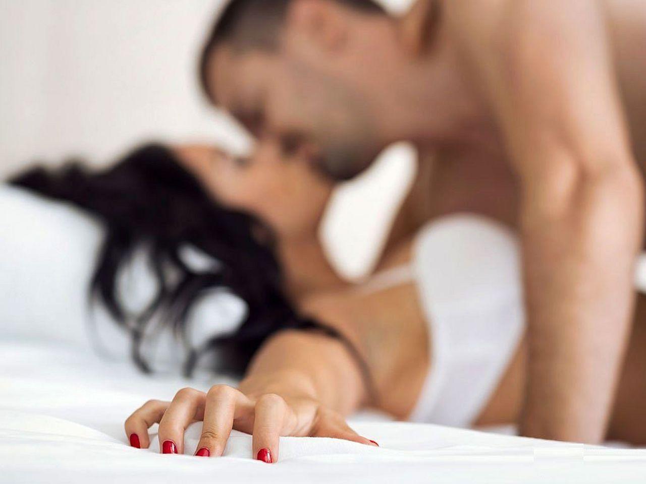 Чем полезен утренний секс: 5 основных аргументов