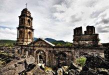 церковь в Нуэво-Сан-Хуан-Парангарикутиро